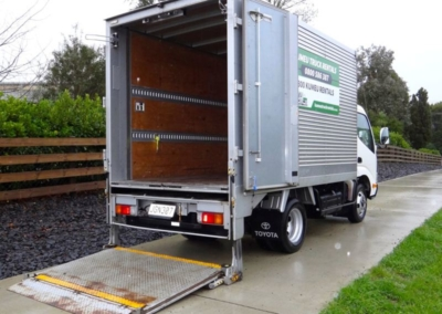 Small Box Truck Tail 11m3-1