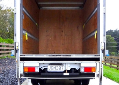 Small Box Truck Tail 11m3-3