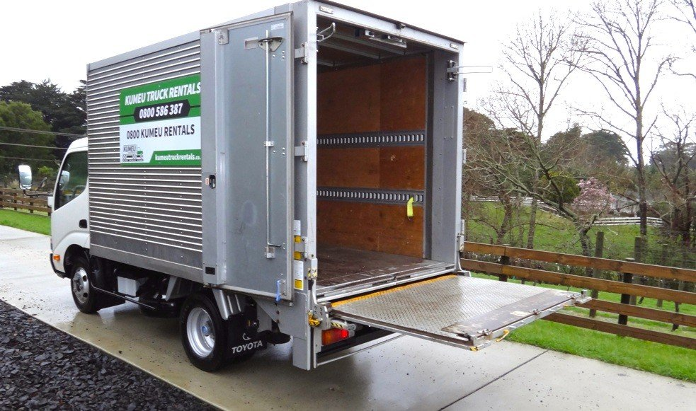 Tail Lift Furniture Trucks